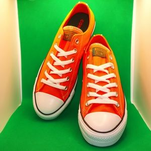 ✨NWOT✨ Unisex Chuck Taylor All Star Ox Orange